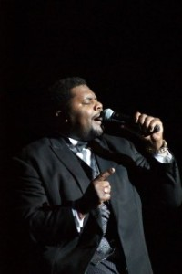 michael-williams-singing